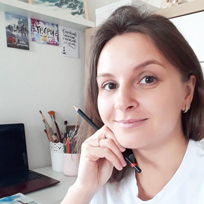 <Дизайнер и иллюстратор Полина Хоронько